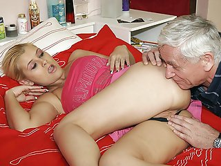 FLASH !!! GrandpaLove.com - Older men love young pussies